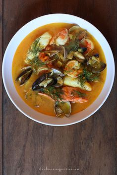 25 Seafood Stew Dishes To Make All Year - Seafood dishes to deal with the heat of summer months and the coldness of winner months? Seafood stew is such a perfect choice. Healthy Recipes, Fish Recipes, Seafood Recipes, Gourmet Recipes, Cooking Recipes, Seafood Bisque, Seafood Stew, Seafood Dishes, Seafood Bouillabaisse
