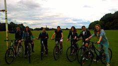 Paseo en bicicleta   Un programa clásico y de gran calidad en la ciudad de Dublín.   #WeLoveBS #inglés #idiomas #Dublin #Irlanda #Ireland