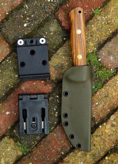 Photos made some new Kydex sheaths