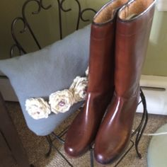 Vintage rain boots Brown pleather/vinyl vintage rain boots. They have a fuzzy type lining, so much warmer than those new fangled rain boots. In A plus shape. Pet/smoke free home. Shoes Winter & Rain Boots