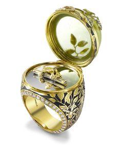 Risultati immagini per miniature nei gioielli in resina