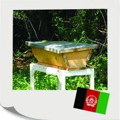 Pomôžte niekomu v Afganistane postaviť úľ pre včely. Odvďačia sa mu za to sladučkým medom. Jeho predajom si dokáže jedna rodina zarobiť na jedlo, oblečenie a poplatky za školu pre deti. Mailbox, Outdoor Decor, Home Decor, Decoration Home, Room Decor, Mail Boxes, Post Box, Interior Decorating