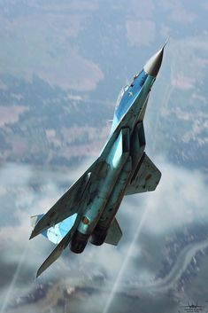 Two-shot-composite/ Air-to-air visualization: Going vertical! 5 oh 2 was originally shot at DAC. Russian Military Aircraft, Us Military Aircraft, Military Jets, Jet Fighter Pilot, Air Fighter, Fighter Jets, Airplane Fighter, Fighter Aircraft, Avion Jet