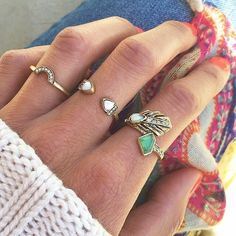 #Photography #Rings #ChloeandIsabel  xoxo, Dia Thomas #LiveChic  Https://www.chloeandisabel.com/boutique/livechic