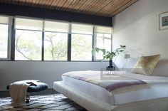Actress Robin Tunney's house in Los Angeles, CA. Bedroom. Published image.
