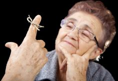 Maladie Alzheimer, santé, vieillesse, cerveau. http://www.coupdepouce.com/bien-dans-mon-corps/sante/peut-on-prevenir-la-maladie-d-alzheimer/a/45184