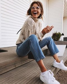 fall outfits | jeans | knit sweaters | brunette ponytails | glasses | white sneakers | laugh | cozy