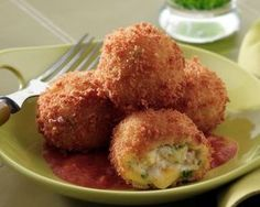 Turkey and Smoked Cheddar Croquettes with Smoked Tomato Sauce - Price Chopper Recipe Greek Recipes, Baby Food Recipes, Snack Recipes, Cooking Recipes, Snacks, Cheese Recipes, Keto Recipes, Cetogenic Diet, Vegan Patties