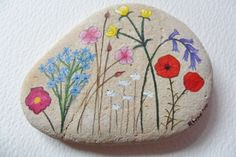 Wildflowers paperweight - Hand painted beach stone from Hastings, UK