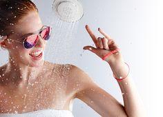 Empresa lança chuveiro com caixa de som sem fio