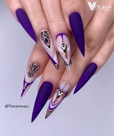 The prevalence of matte stiletto nail designs have increased significantly in the past few years. Matte nails always makes a difference, and it is more luxurious to cooperate with stiletto shape nails. Matte nails should definitely be your first ch Fancy Nails, Bling Nails, Cute Nails, Pretty Nails, My Nails, Gorgeous Nails, Work Nails, Nail Swag, Matte Stiletto Nails