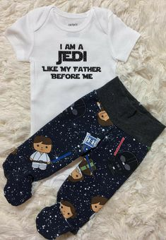 NEW! star wars newborn set, going home outfit, jedi baby set, newborn baby boy set, newborn nerdy set, newborn boys vinyl onesie set #disney #starwars #babyboy #babyboyoutfits