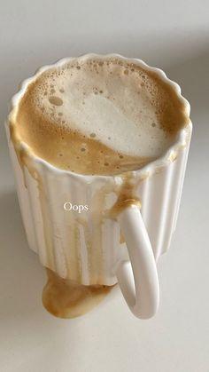 Aesthetic Coffee, Aesthetic Food, But First Coffee, Coffee Love, Honey Coffee, Coffee Break, Morning Coffee, Food N, Food And Drink