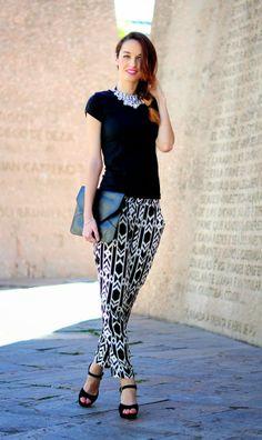 TENDENCIA: PANTALÓN BAGGY CON ESTAMPADO TRIBAL Pantalones: CHOIES Camiseta: BERSHKA Zapatos: ALEX SILVA Clutch: VJ-STYLE collar babero: CHOIES