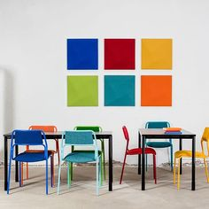 By adding more colour to your workspace you also add more feeling, creativity, well-being and fun. Hope you all are having a colourful day! #kinnarps #AddMoreColour #BetterAtWork