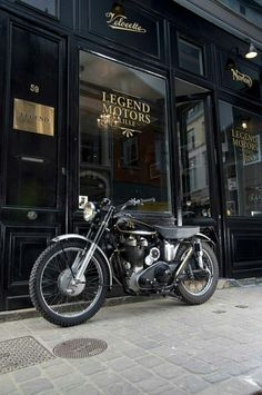 Legend Motors Lille with a AJS 500 Scrambler Compétition, 1955 in the front. Ajs Motorcycles, British Motorcycles, Motorcycle Bike, Vintage Motorcycles, Motorcycle Quotes, Scrambler, Scooters, Chopper, Motos Retro