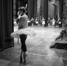 Gillian Murphey before her entrance in Act 2 during Romeo and Juliet stage rehearsal P:Daniil Simkin