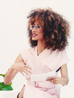 Elaine Welteroth - Editor and Chief Teen Vogue Elaine Welteroth, Vogue Editor In Chief, Curly Hair Styles, Natural Hair Styles, African American Fashion, Marca Personal, Personal Branding, Women Lawyer, Big Hair Dont Care