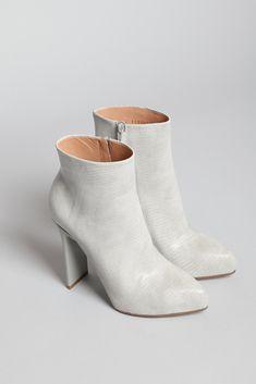 In love. Maison Martin Margiela Flat Heel Printed Boot (Chalk)