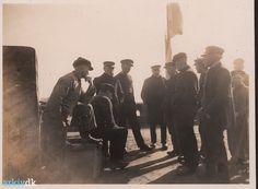 Fiskere på Dragør Havn 1927. Min farfar Oluf Thorvald Weochardts bror Edvard Martin Weichardt er blandt fiskerne.