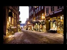 Le Petit Champlain in der kanadischen Stadt Québec. Christmas In Paris, French Christmas, Christmas Town, Christmas Star, Little Christmas, Christmas And New Year, Christmas Shopping, Merry Christmas, Christmas Music