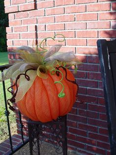 Deco Mesh Pumpkin - Video and Written Tutorial at Trendy Tree!  #TrendyTree