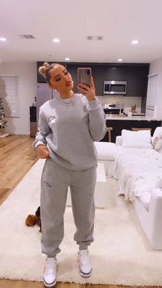Baddie Outfits Casual, Chill Outfits, Cute Comfy Outfits, Dope Outfits, Swag Outfits, Outfits For Teens, Stylish Outfits, Teenager Outfits, Winter Fashion Outfits