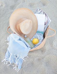 Chapeau et panier de paille pour la plage Straw hat and basket for the beach Beach Bum, Summer Beach, Summer Vibes, Beach Towel, Beach Hats, Sunny Beach, Summer Bikinis, Weekend Vibes, Summer Of Love