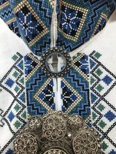 Sewing Crafts, Sewing Projects, Border Embroidery Designs, Going Out Of Business, Romania, Interior And Exterior, Interiors, Costumes, Stitch
