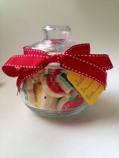 back to school cookies Birthday Weekend, Diy Birthday, Teacher Appreciation Gifts, Teacher Gifts, Extra Gum, Teacher Gift Baskets, Vinyl Gifts, Teacher Christmas Gifts, Cookie Gifts