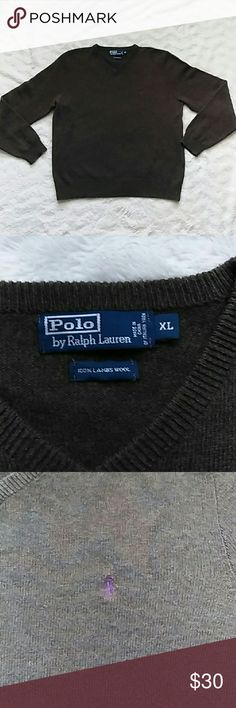 Vintage Polo by Ralph Lauren sweater Vintage Polo by Ralph Lauren V-neck sweater lambswool. Pretty good condition Polo by Ralph Lauren Sweaters V-Neck