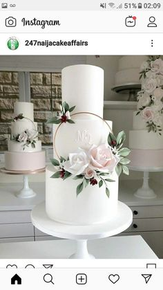 White cake with a floral hoop accent / Blushing Bride 5 Tier Wedding Cakes, Floral Wedding Cakes, White Wedding Cakes, Elegant Wedding Cakes, Beautiful Wedding Cakes, Wedding Cake Designs, Wedding Cake Toppers, Beautiful Cakes, Purple Wedding