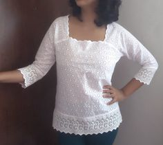 Bata de laise Stylish Blouse Design, Polka Dot Blouse, Blouse And Skirt, Short Tops, Cotton Lace, Lace Tops, Cotton Dresses, Blouse Designs, Ideias Fashion
