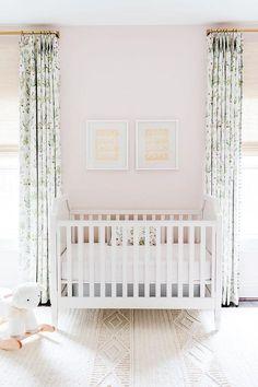 White Wooden French Nursery Crib on Blush Pink Wall - Transitional - Nursery Blush Nursery, Light Blue Nursery, Pink And Green Nursery, White Nursery, French Nursery Decor, Baby Girl Nursery Wallpaper, Nursery Curtains Girl, Nursery Crib, Decoration