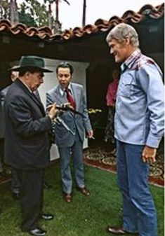 General Secretary Brezhnev meets actor Chuck Connors, at San Clemente - NARA - 194526 - edited - Chuck Connors - Wikipedia, the free encyclopedia Major Baseball, Baseball Players, American Actors, American History, Harry Styles 2014, Chuck Connors, Johnny Crawford, The Rifleman, Mockup