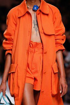 Fendi Spring 2019 Ready-to-Wear Fashion Show Details: See detail photos for Fendi Spring 2019 Ready-to-Wear collection. Look 53 Black Women Fashion, Bold Fashion, Colorful Fashion, Fashion 2020, Runway Fashion, Fashion Show, Fashion Outfits, Womens Fashion, Fashion Brands