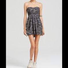 FREE PEOPLE STRAPLESS DRESS NWT Adorable strapless sundress. Size 8 NWT Free People Dresses