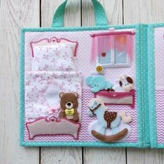 New Sewing Inspiration Quiet Books 69 Ideas Felt Doll House, Felt Books, Quiet Books, Sensory Book, Quiet Book Patterns, Busy Book, Book Girl, Sewing Projects For Beginners, Diy For Teens