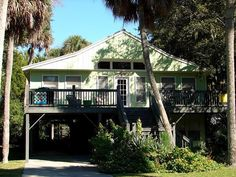 "1021 Byrd St.- ""The Flamingo"" in Edisto Beach"