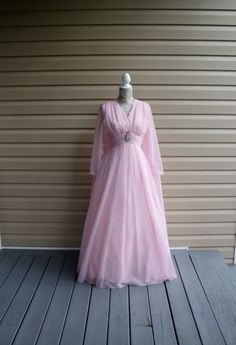 This is a gorgeous vintage Grecian style Princess Pink chiffon formal gown