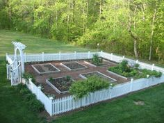 A little fence or some type of edge really ties the whole garden together and makes it beautiful