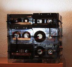 Lampara con cassettes.