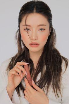 Cute Young Girl, 3ce, Korean Makeup, Stylenanda, New Face, Makeup Inspo, Photography Poses, Hair Makeup, Make Up