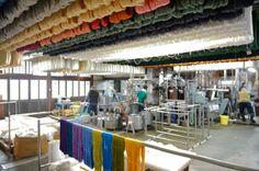 COS KYOTO×田村屋×三浦照明×everedge Part2:伝統産業から、文化ビジネスへ 西陣織・引箔のランプシェード「十六夜」。|京都府 京都市|「colocal コロカル」ローカルを学ぶ・暮らす・旅する