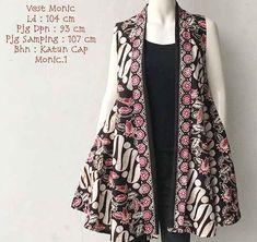 Model Outer Batik Tanpa Lengan Monic 2019 Batik Fashion, Hijab Fashion, Fashion Outfits, Outer Batik, Model Kebaya, Kebaya Muslim, Batik Dress, Weird Fashion, Dress Collection