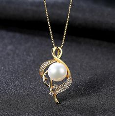 [MeiBaPJ]Real Freshwater Pearl Simple Personality Gold Pendant Necklace 925 Solid Silver Pendant Fine Jewelry for Women Pearl Drop Necklace, Gold Pendant Necklace, Necklace Types, Fine Jewelry, Women Jewelry, Shell Jewelry, Cheap Necklaces, Sterling Silver Necklaces, Pearls