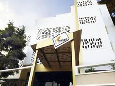 Bangalore Mango Hotels- Bangalore – Koramangala I India, Asia Located in Kormangala, Mango Hotels- Bangalore – Koramangala I is a perfect starting point from which to explore Bangalore. The property features a wide range of facilities to make your stay a pleasant experience. To be found at the hotel are free Wi-Fi in all rooms, Wi-Fi in public areas, car park, room service, airport transfer. Television LCD/plasma screen, internet access – wireless (complimentary), non smoking ...