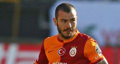 İzmirspor'da futbol hayatına başlayan Yekta Kurtuluş, büyük bir vefa örneği göstererek futbola başladığı İzmirspor'a hediyede bulundu.