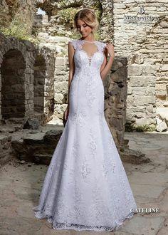 CATELINE: Elegância e glamour definem o vestido Cateline. Para saber mais, acesse: www.russianoivas.com #vestidodenoiva #vestidosdenoiva #weddingdress #weddingdresses #brides #bride