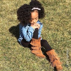 This young naturalista is rocking a bantu knot out. What a doll! Thanks for sharing @Jeanice Pratt Pratt Pratt Pratt Pratt Webb